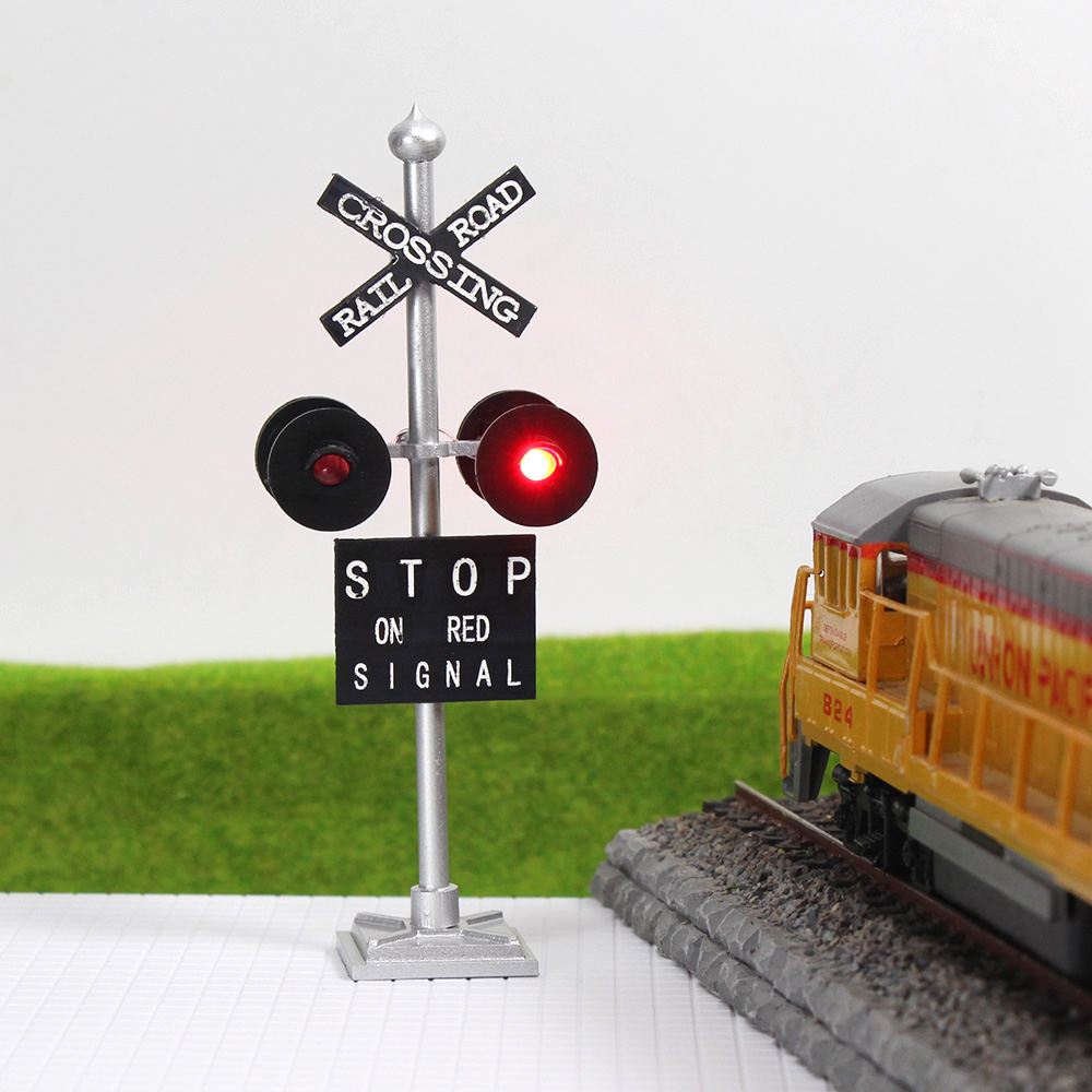 4pcs O Scale Railroad Crossing Signals 4 Heads Led Made